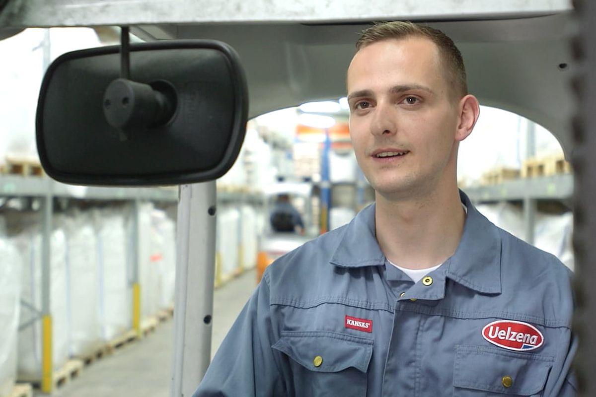 warehouse specialist robert d mland